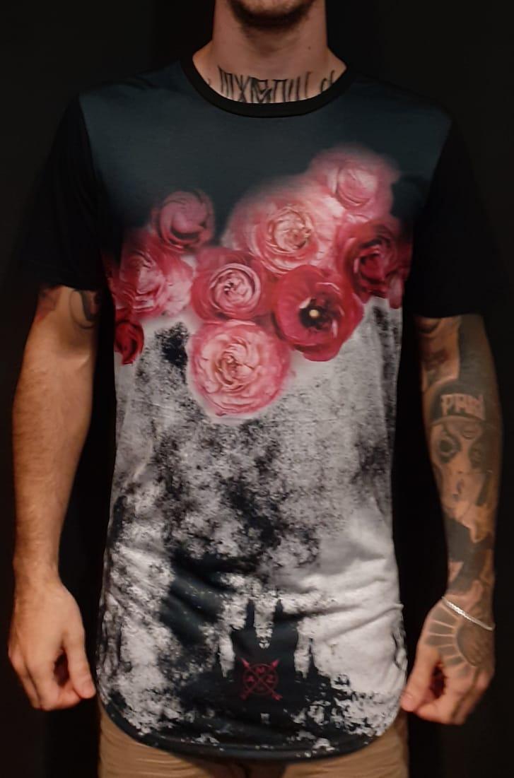 Camiseta Amazing Long Line Roses in the Snow Black  - Harpia Moda - Moda Masculina & Acessórios