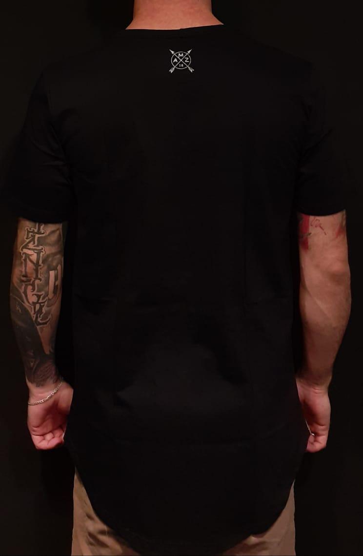 Camiseta Amazing Long Line Skull Dark Black  - Harpia Moda - Moda Masculina & Acessórios