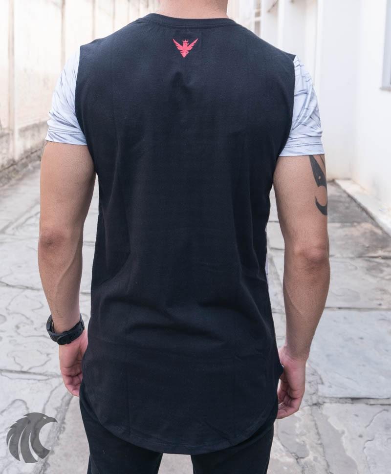 Camiseta Evoque Branca Detalhe Tringulo Vermelho  - Harpia Moda - Moda Masculina & Acessórios