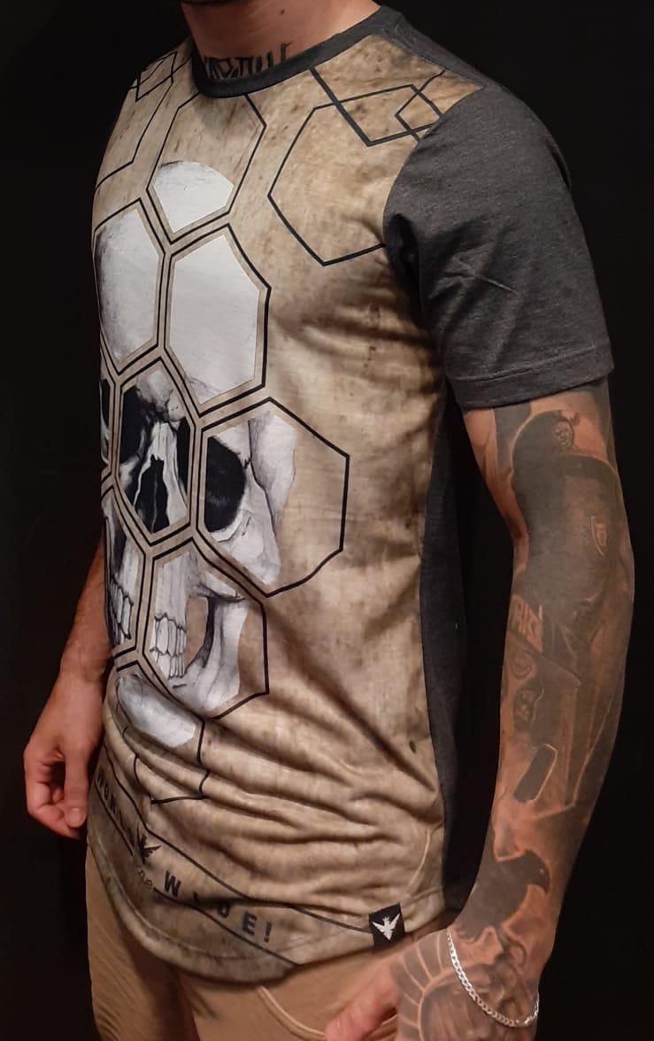 Camiseta Evoque Grey Skull Polygon  - Harpia Moda - Moda Masculina & Acessórios