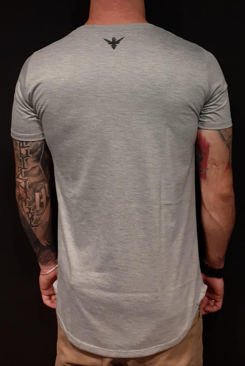 Camiseta Evoque Long Background Flowers Gray  - Harpia Moda - Moda Masculina & Acessórios