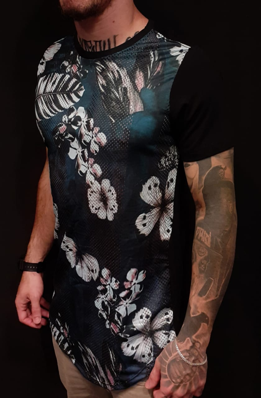 Camiseta Evoque Long Butterflies Flowers Black  - Harpia Moda - Moda Masculina & Acessórios