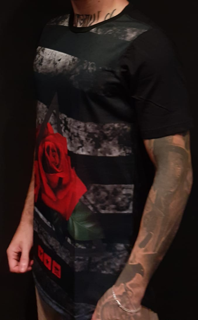 Camiseta Evoque Long Line Triangle and Rose  - Harpia Moda - Moda Masculina & Acessórios