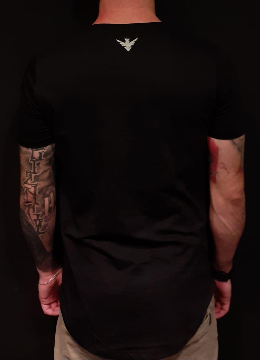Camiseta Evoque Long Line Black Gangster Woman  - Harpia Moda - Moda Masculina & Acessórios