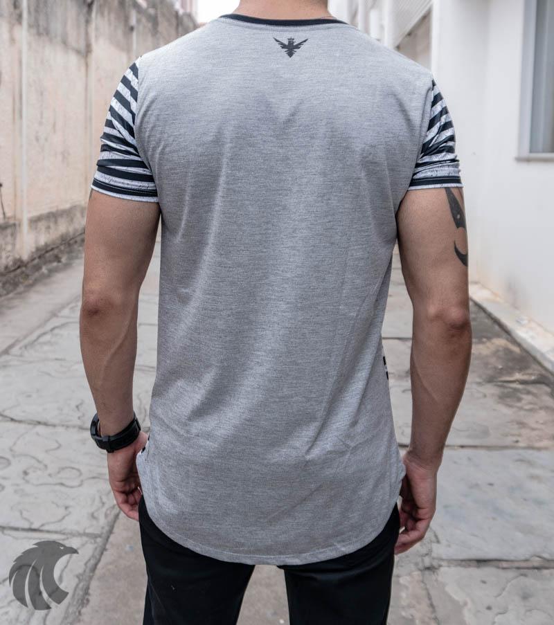 Camiseta Evoque Long Line Cinza Zebrada Caveira  - Harpia Moda - Moda Masculina & Acessórios