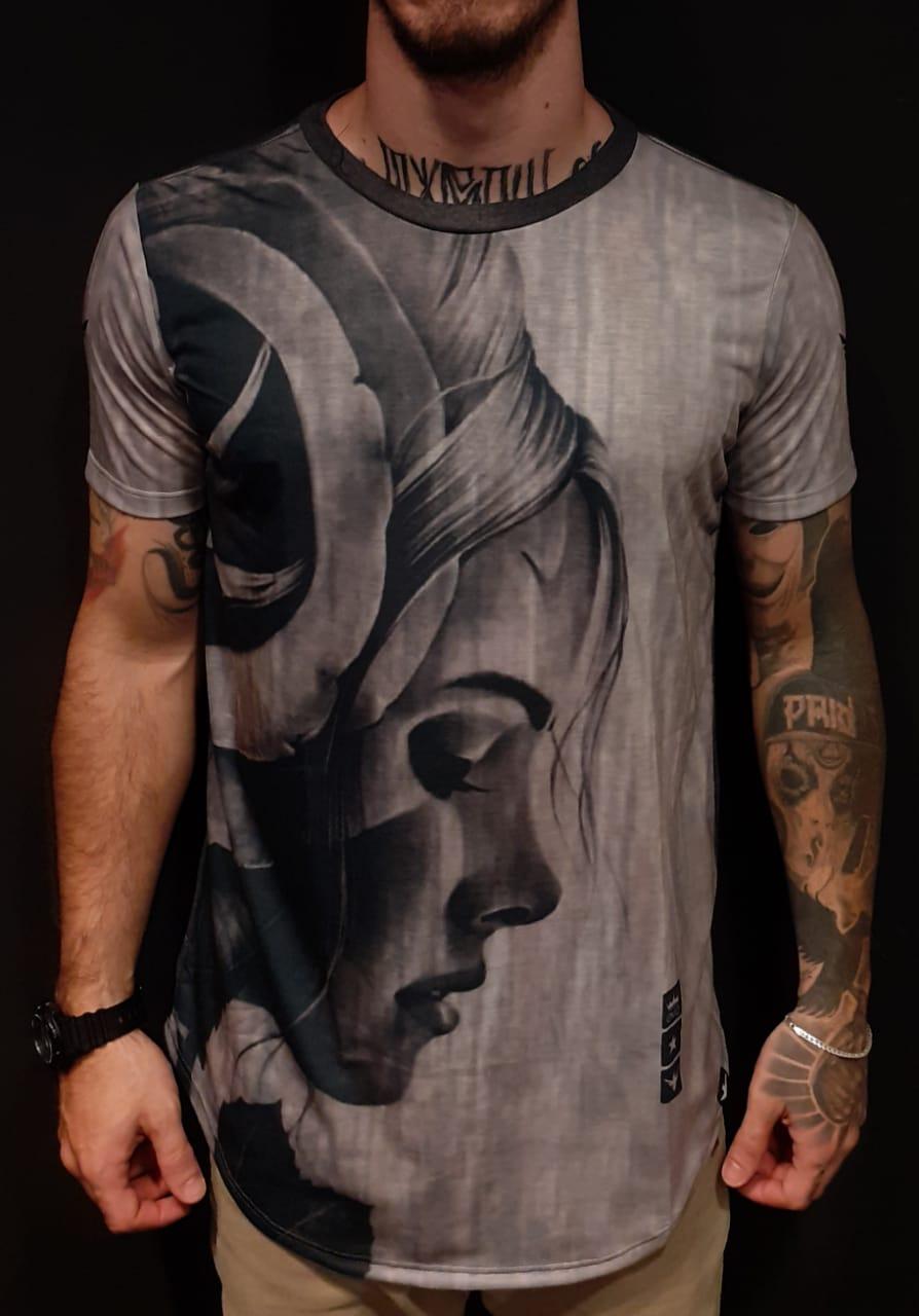 Camiseta Evoque Long Robber Woman Gray  - Harpia Moda - Moda Masculina & Acessórios