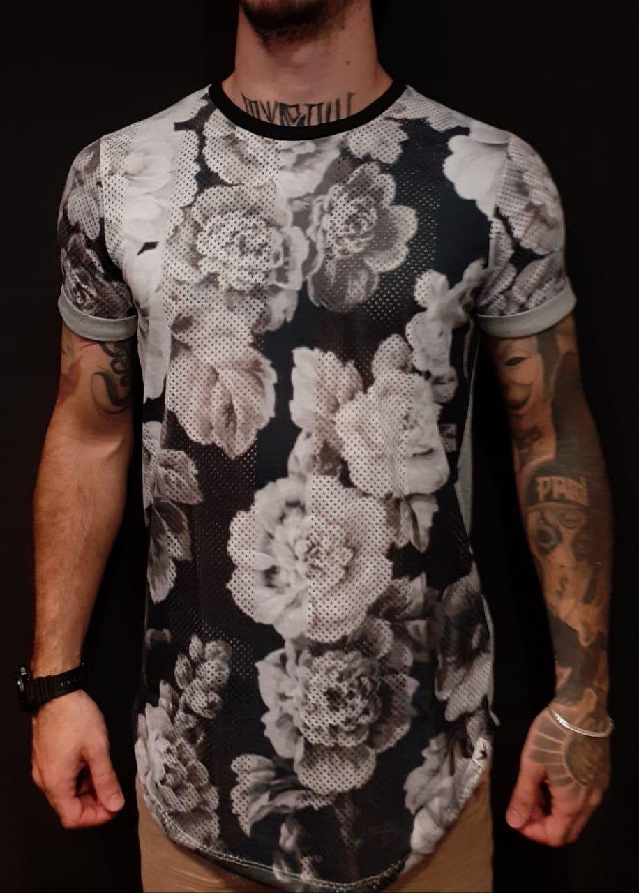 Camiseta Evoque Long White Flowers Gray  - Harpia Moda - Moda Masculina & Acessórios