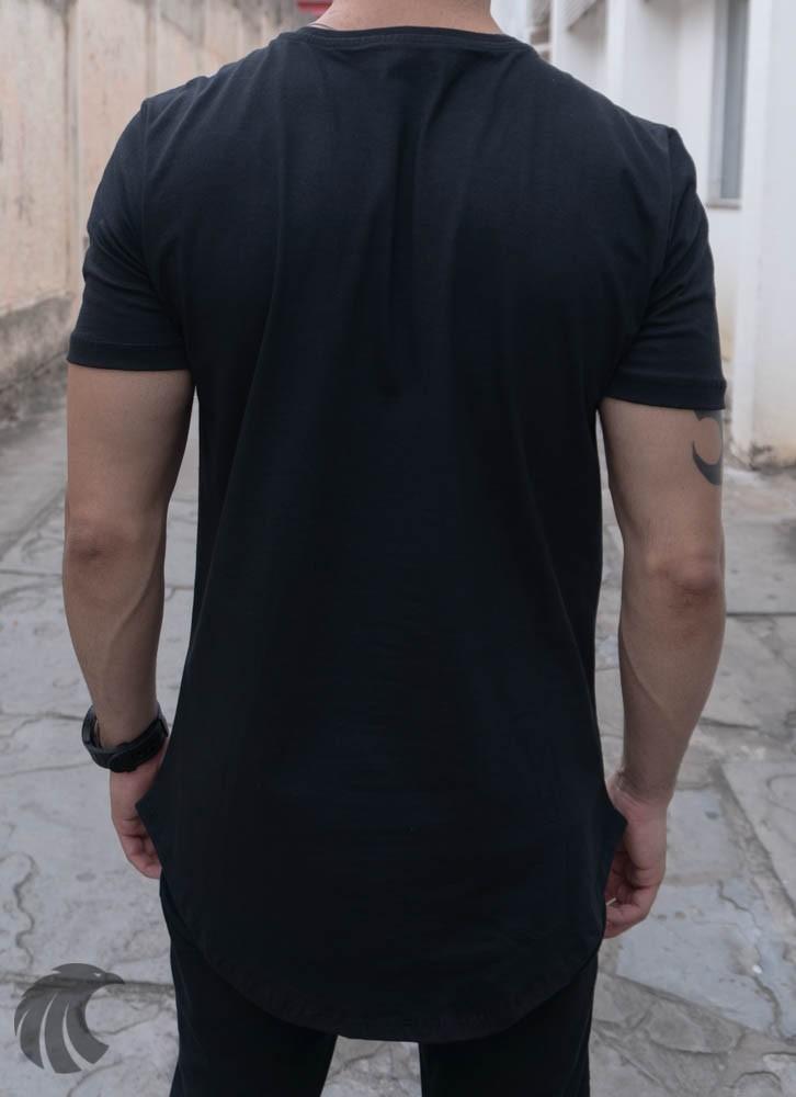 Camiseta Evoque Preta Long Line Caveira Bolhas  - Harpia Moda - Moda Masculina & Acessórios