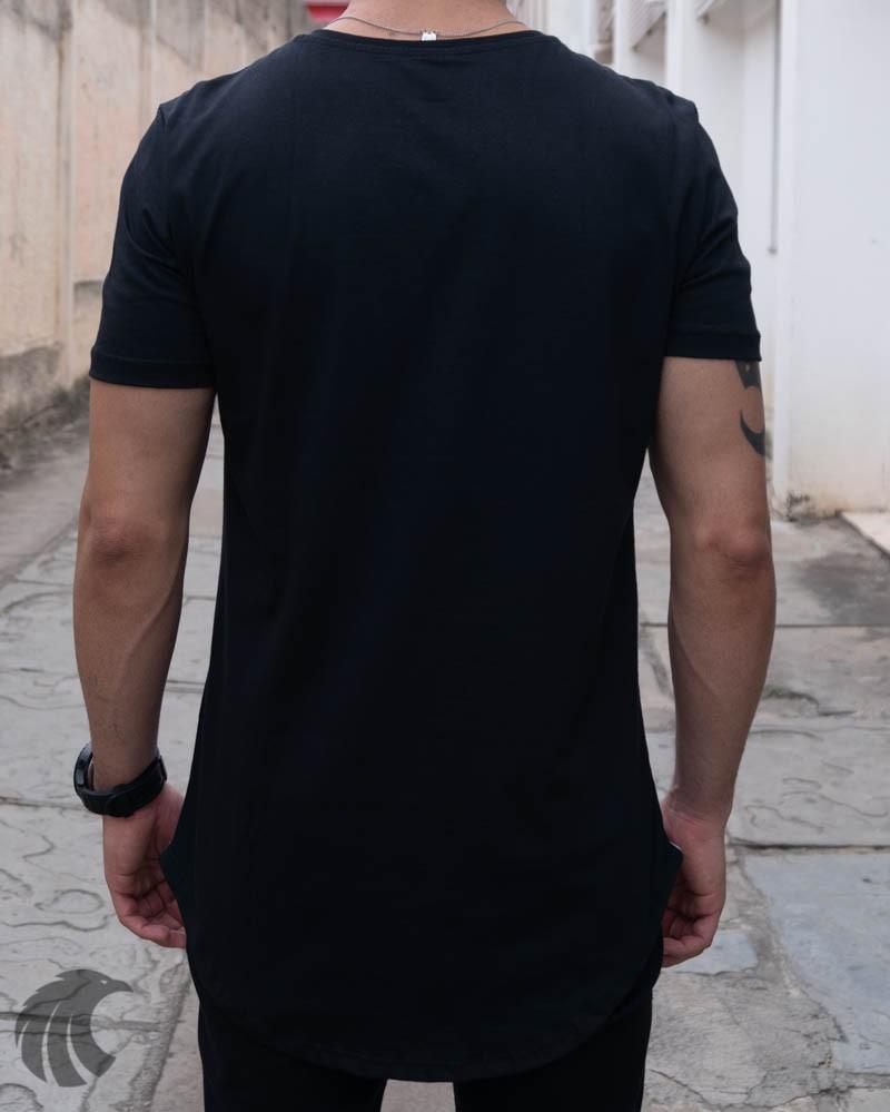 Camiseta Evoque Preta Long Line Folhagens  - Harpia Moda - Moda Masculina & Acessórios