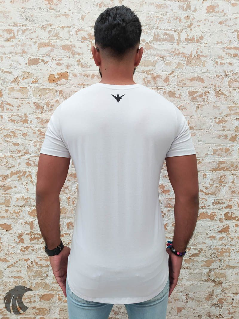 Camiseta Evoque White Flowers in the Triangle Two  - Harpia Moda - Moda Masculina & Acessórios