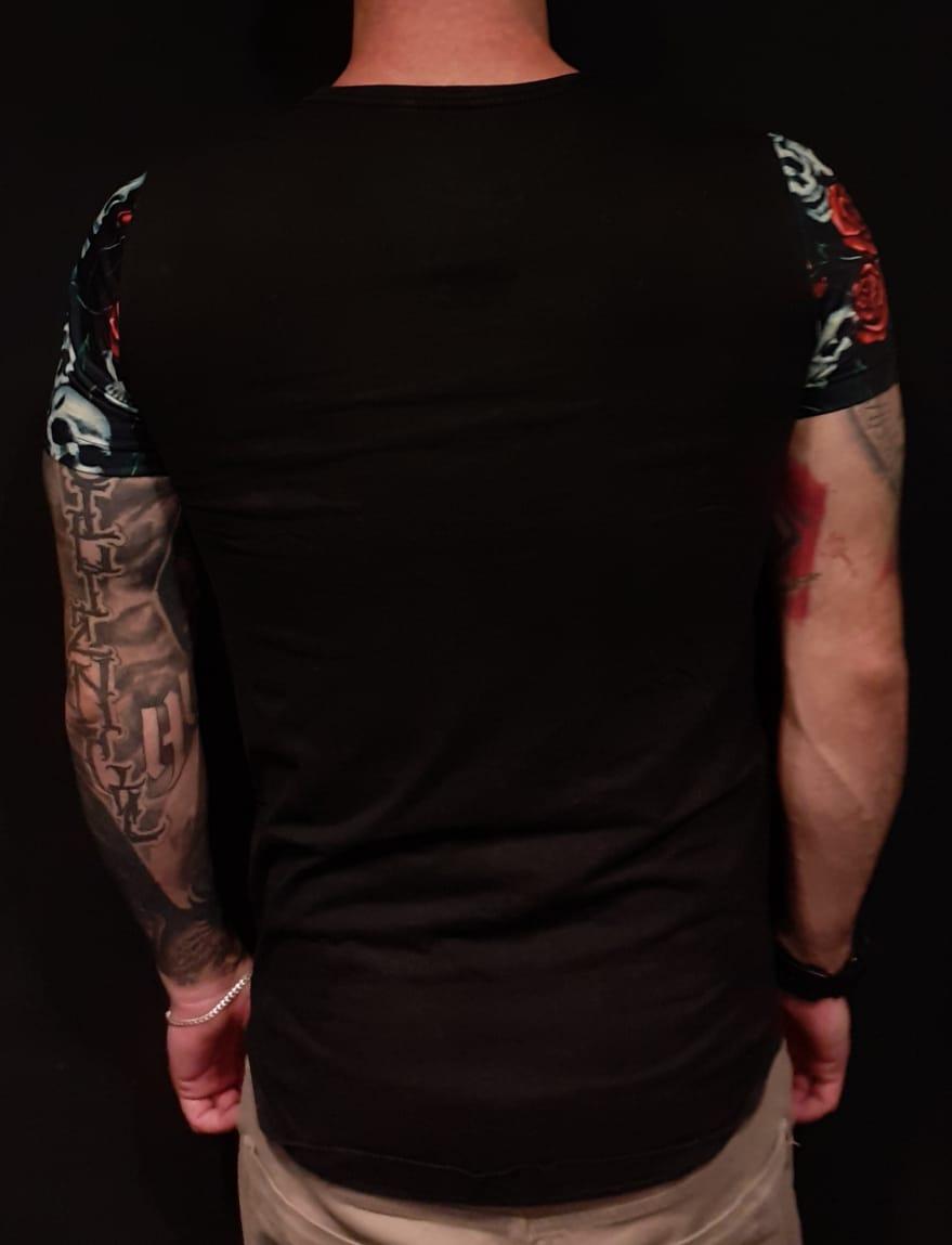 Camiseta King Joy Long Black Flowers  - Harpia Moda - Moda Masculina & Acessórios
