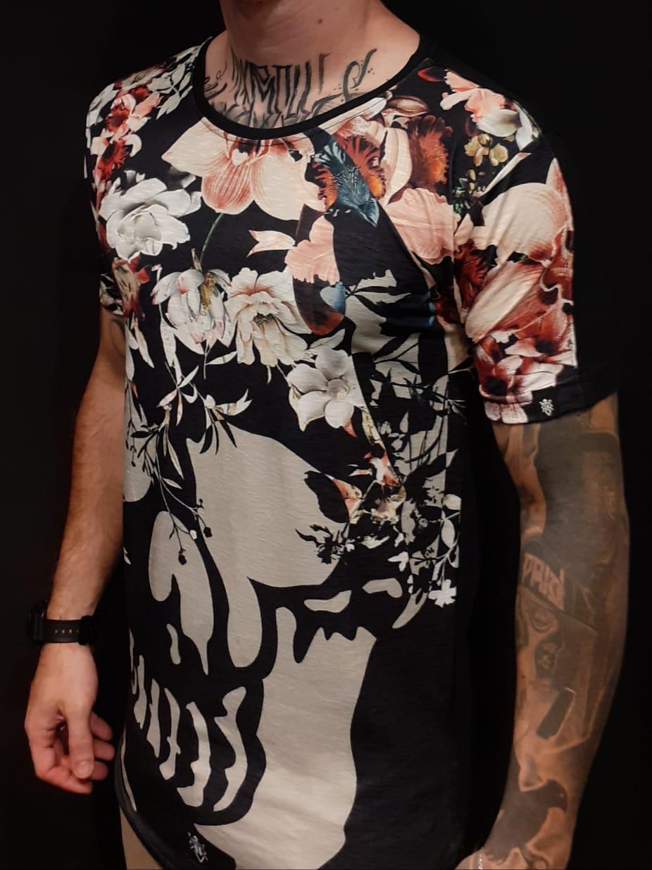 Camiseta Long Riviera Skull Flowers  - Harpia Moda - Moda Masculina & Acessórios