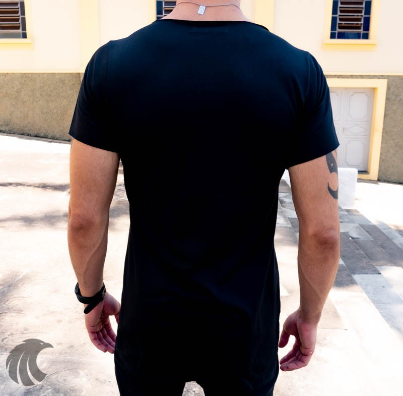 Camiseta Longline  Justink Preta Urso Brilhante  - Harpia Moda - Moda Masculina & Acessórios