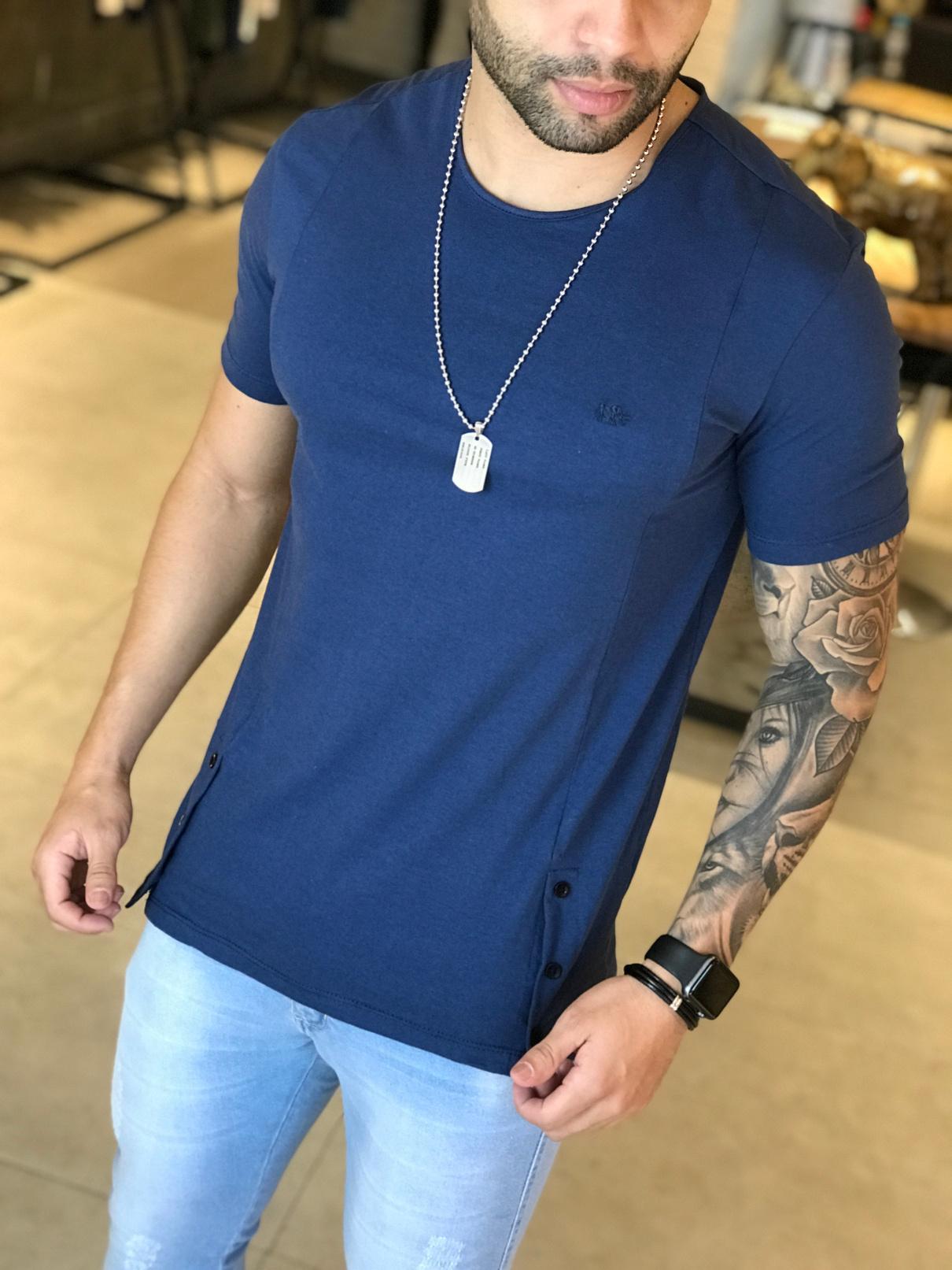 Camiseta M Artt Azul Detalhes Barra  - Harpia Moda - Moda Masculina & Acessórios
