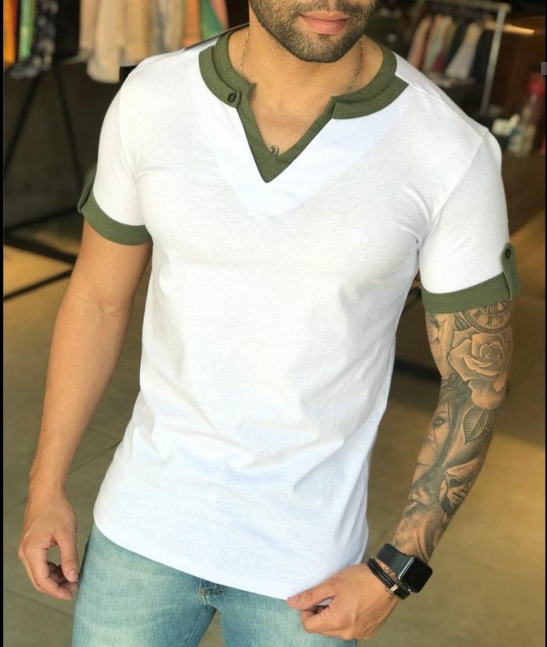 Camiseta M Artt Branca Detalhes Verde Gola V  - Harpia Moda - Moda Masculina & Acessórios