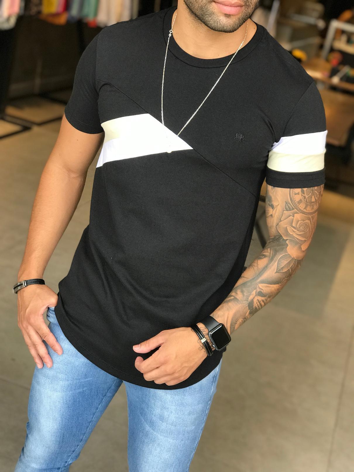 Camiseta M Artt Preta Detalhe Faixas  - Harpia Moda - Moda Masculina & Acessórios