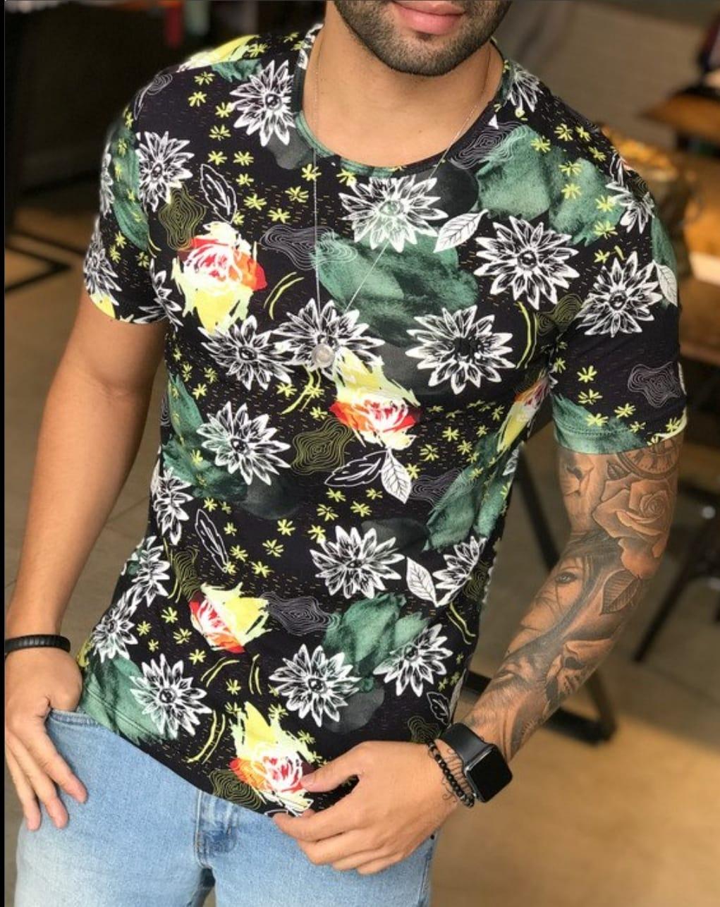 Camiseta M Artt  Preta Detalhes Flores  - Harpia Moda - Moda Masculina & Acessórios