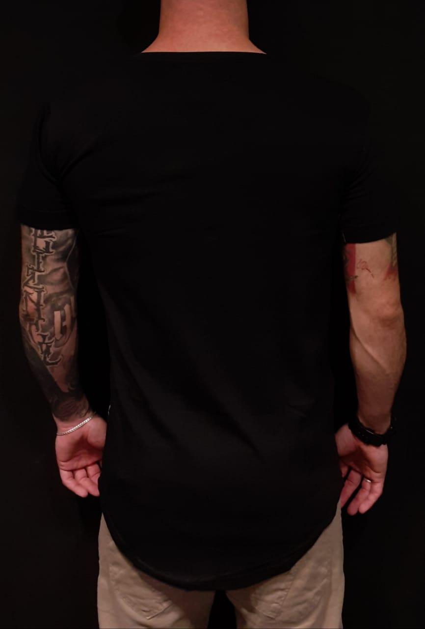 Camiseta Riviera Caveira Dark  - Harpia Moda - Moda Masculina & Acessórios