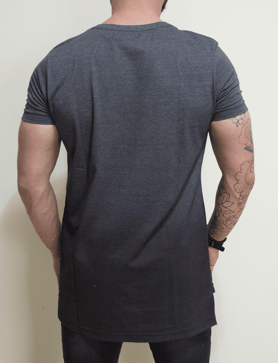 Camiseta Riviera Long Gray Flower - Harpia Moda - Moda Masculina ... 0515afb0961