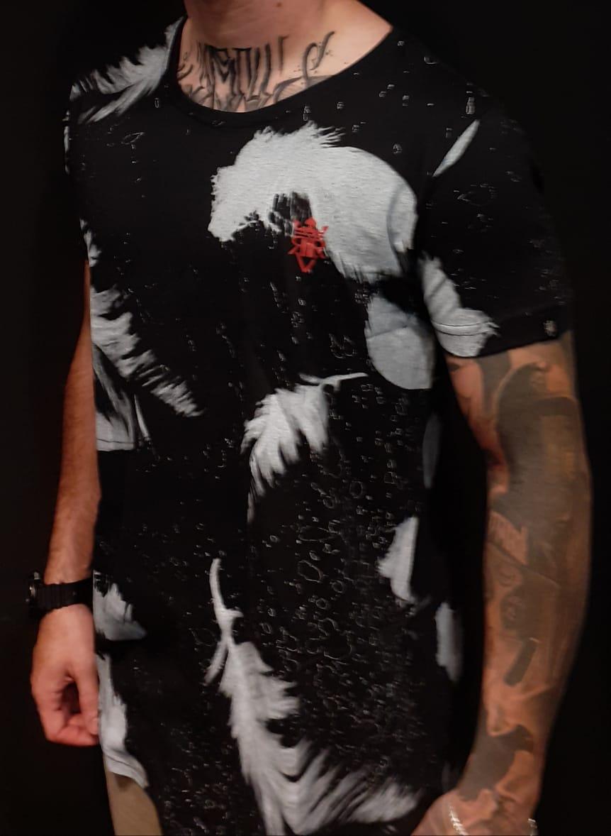 Camiseta Riviera Long White Feathers  - Harpia Moda - Moda Masculina & Acessórios