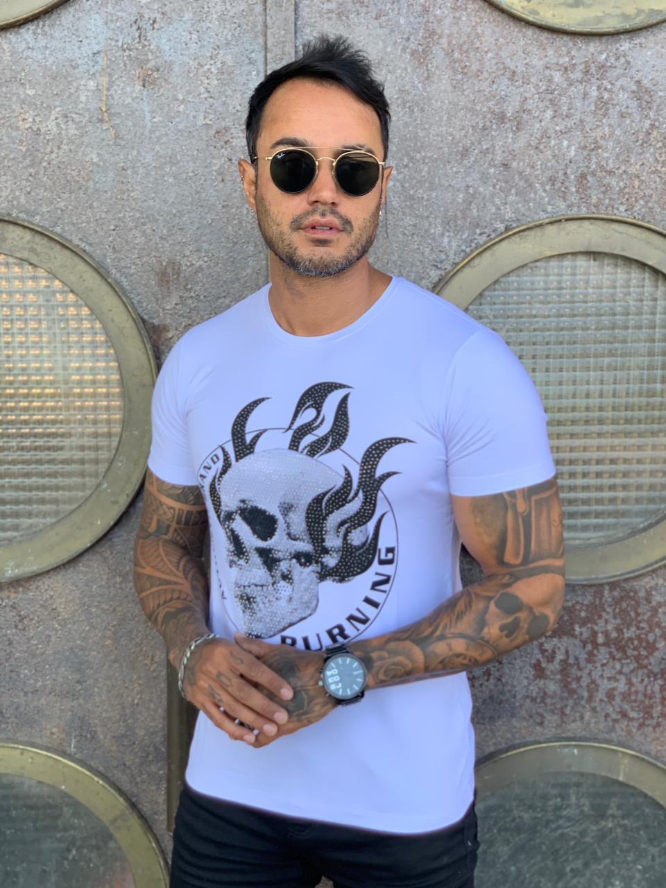 Camiseta Starpolis Branca Burning  - Harpia Moda - Moda Masculina & Acessórios
