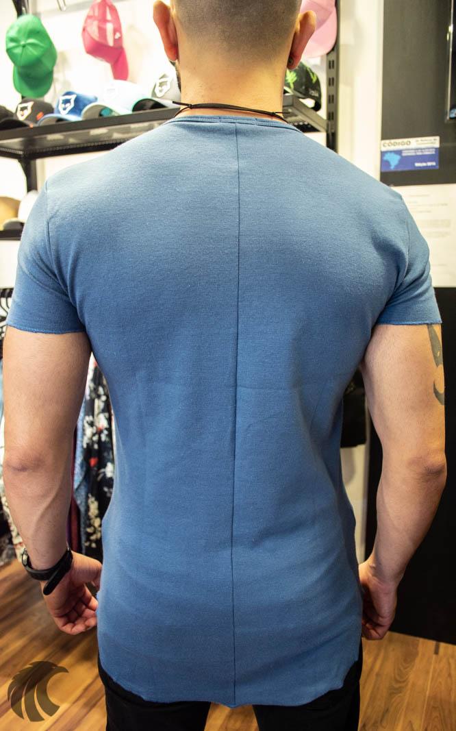 Camiseta Totanka Azul Claro Tecido Ribana   - Harpia Moda - Moda Masculina & Acessórios