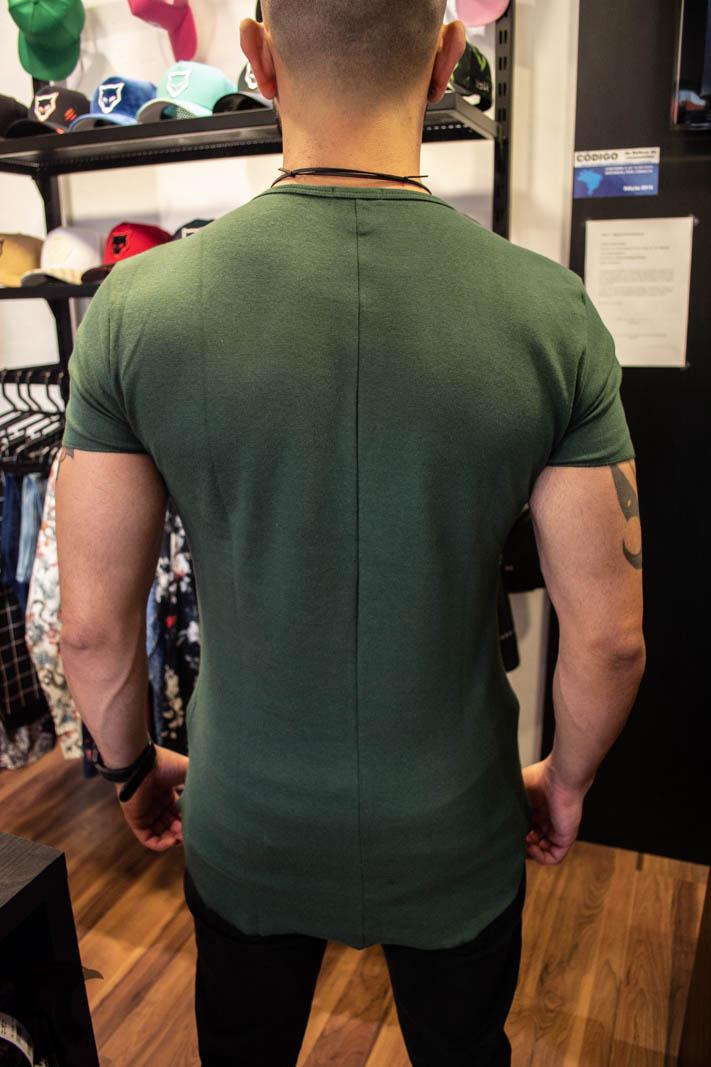 Camiseta Totanka Verde Escuro Tecido Ribana   - Harpia Moda - Moda Masculina & Acessórios