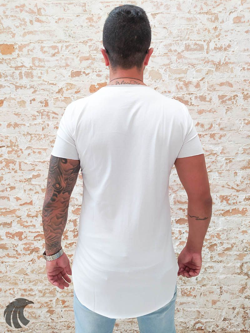 Camiseta Totanka Branca Long Line  - Harpia Moda - Moda Masculina & Acessórios