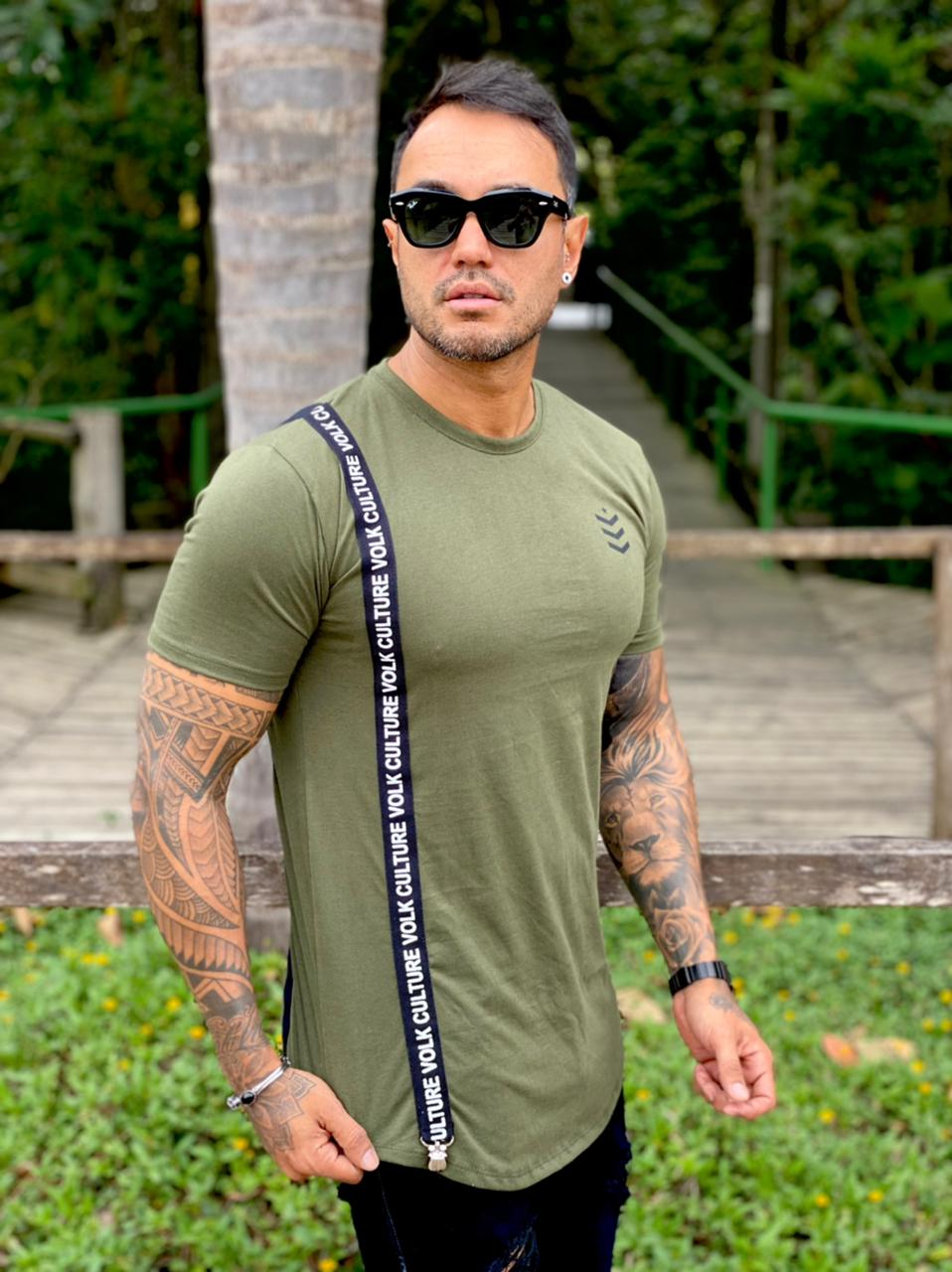Camiseta Verde Militar Suspensório Long  Line Premium Volk Culture  - Harpia Moda - Moda Masculina & Acessórios