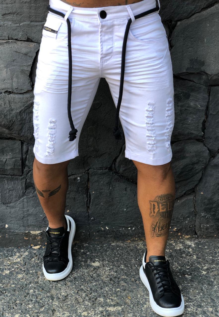 Short Jeans Codi Destroyed Branco Cordão Preto  - Harpia Moda - Moda Masculina & Acessórios