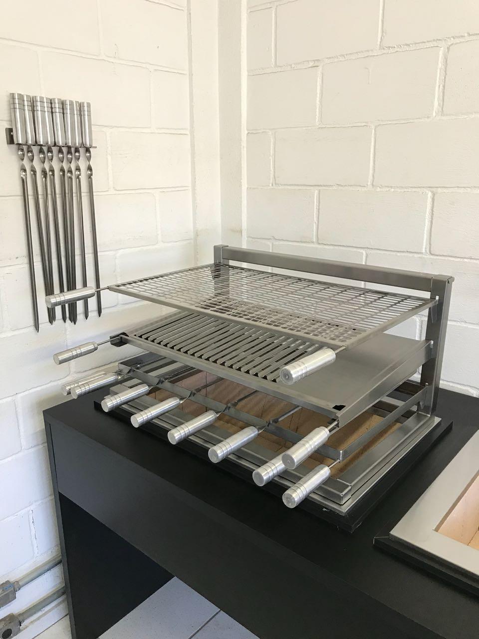 Churrasqueira Inox a Carvão Premium Com Braseiro e Grelha Master Corte a Laser