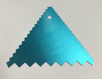 CB05-02 / Triangulo para decorar -1un- 11 cm x 11 cm - Aluminio RETO