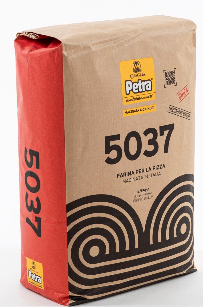 Farinha 0 Única 5037 W300-330 saco 12,5kg Petra