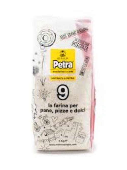 Farinha Integral moída na pedra Petra 9 1kg Petra