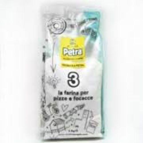 FARINHA MOÍDA NA PEDRA PETRA 3 1kg ( VALIDADE MÊS 08/21)