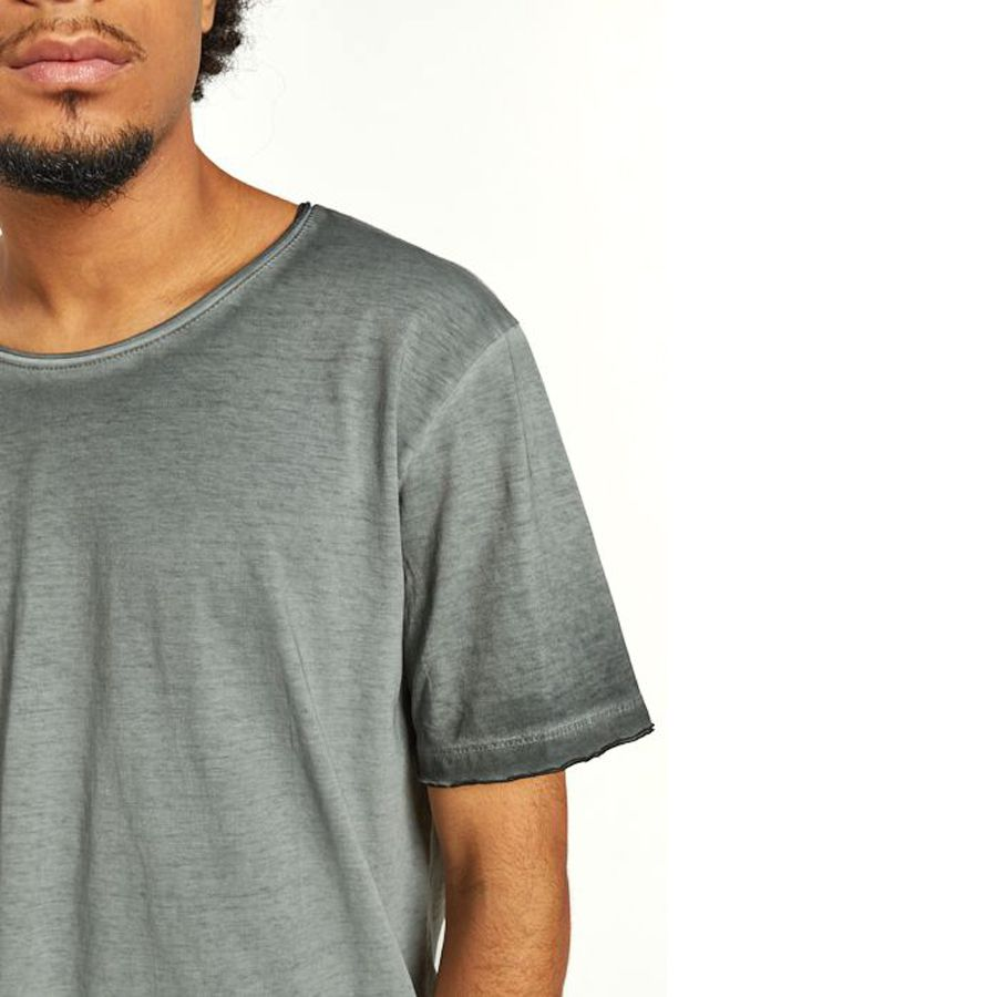 Camiseta Premium Corte a fio do avesso