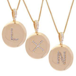 Colar De Letras Com Medalha Pequena Cravejado De Zircônias Folheado Ouro 18K  - 45cm