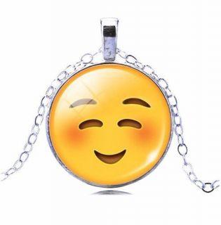 Colar Emoticons Emojis Smiley Envergonhado Folheado Prata X