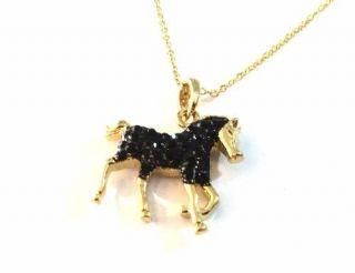 Colar Gargantilha Cavalo Negro Lindo Folheado A Ouro.