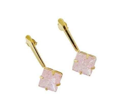 Brinco Base Reta Com Pedra Rosa Folheado A Ouro 18k.