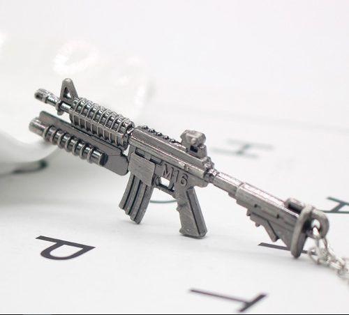 Colar Arma Revolver Policial Justiça Folheado Grafite