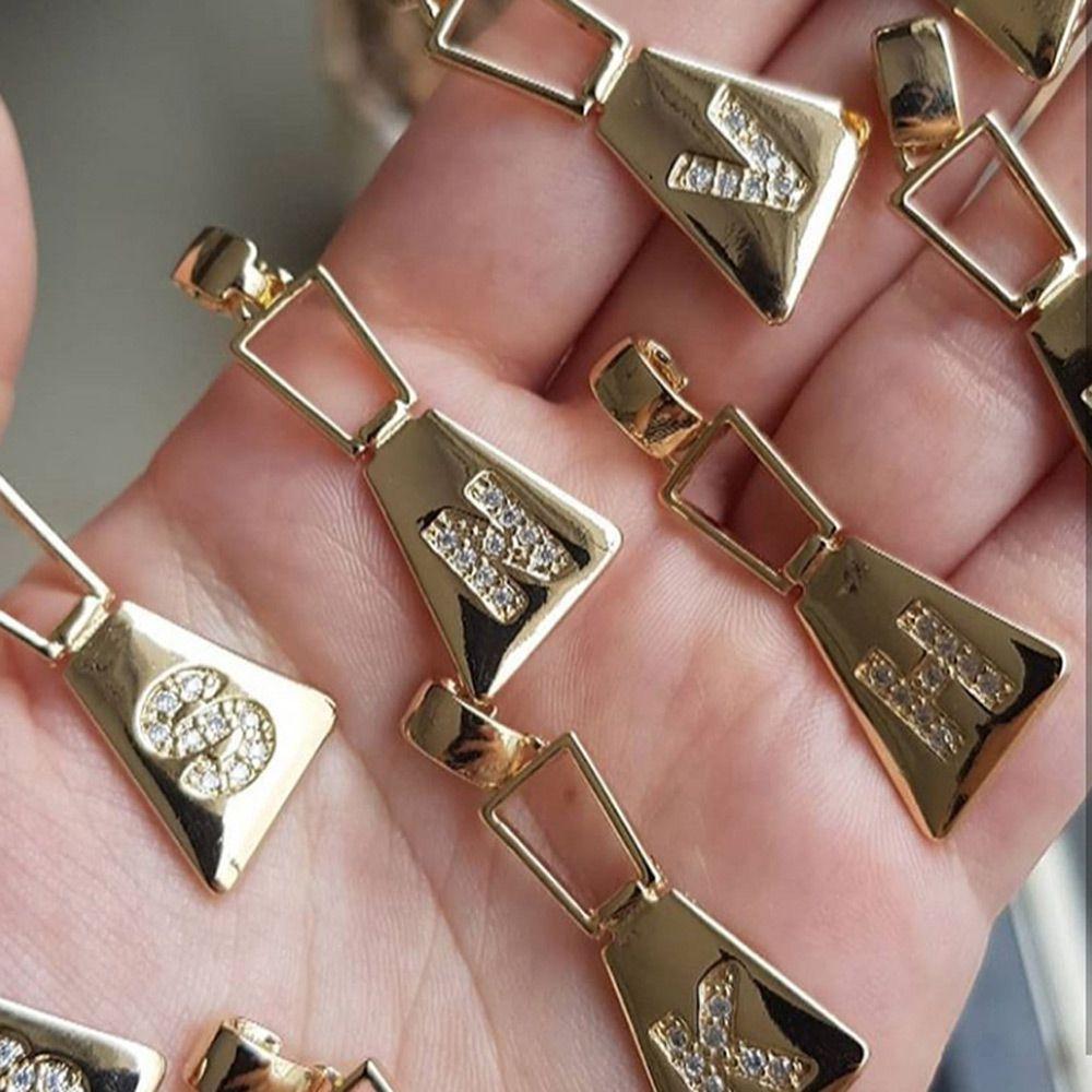 Colar de Letras Trapézio Cravejado de Zircônia Folheado em Ouro 18K