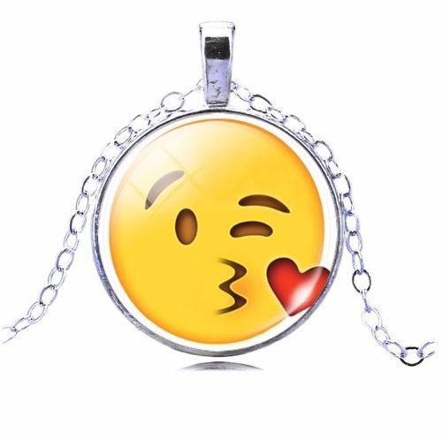 Colar Emoticons Emojis Smiley Beijo De Despedida Prata X