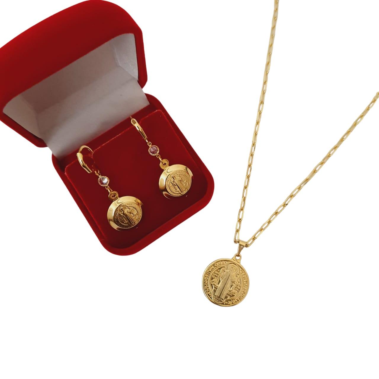 Conjunto Colar E Brinco Medalha São Bento Folheado A Ouro 18k