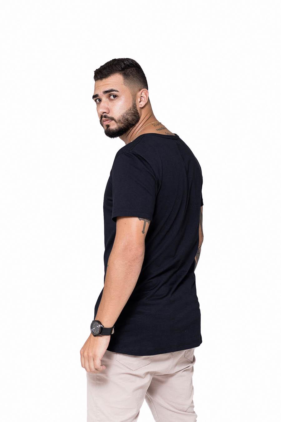 Camiseta Longline Preta Alpha New