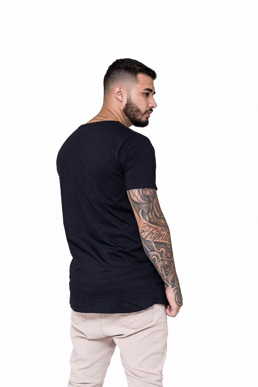 Camiseta Longline Preta Wall Old BT