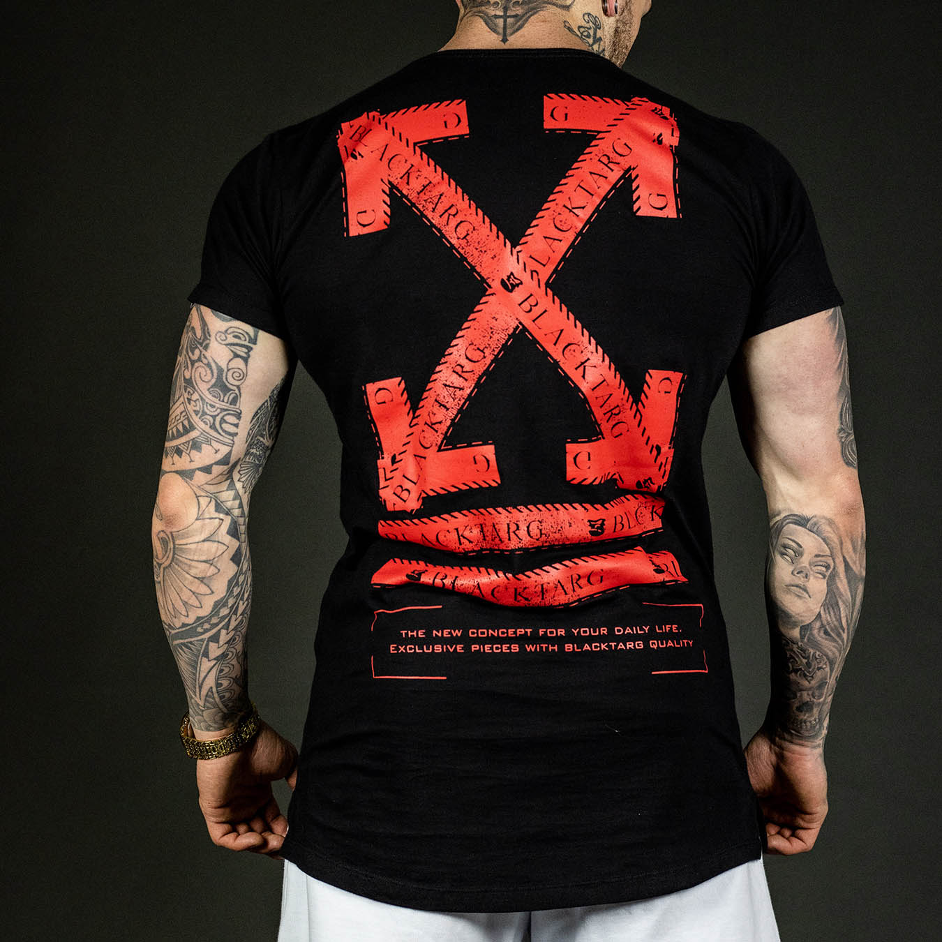 Camiseta Longline Preta Arrow Red