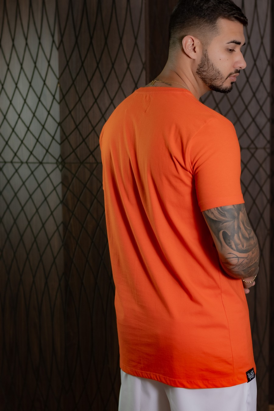 Camiseta Masculina Alaranjada