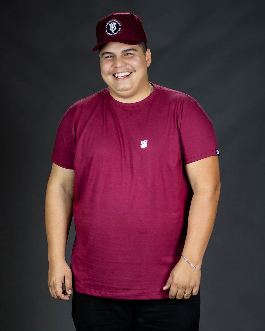 Camiseta Plus Size Vinho Blood Mary Masculina