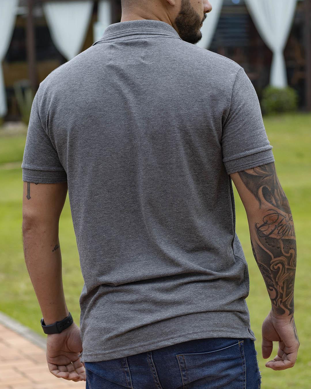Camiseta Polo Masculina Grey Chapter Cinza